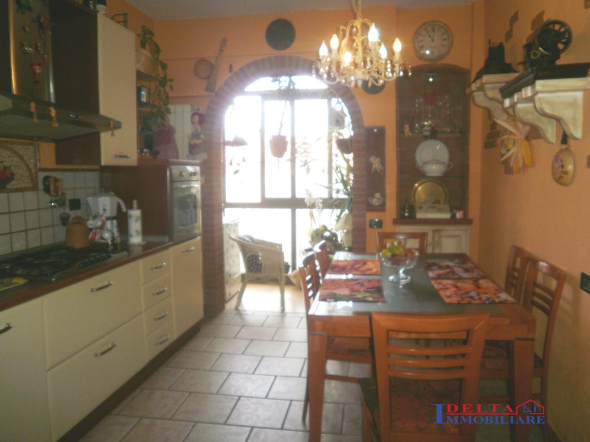 Rustico / Casale in vendita a Rosignano Marittimo, 22 locali, prezzo € 150.000 | Cambio Casa.it