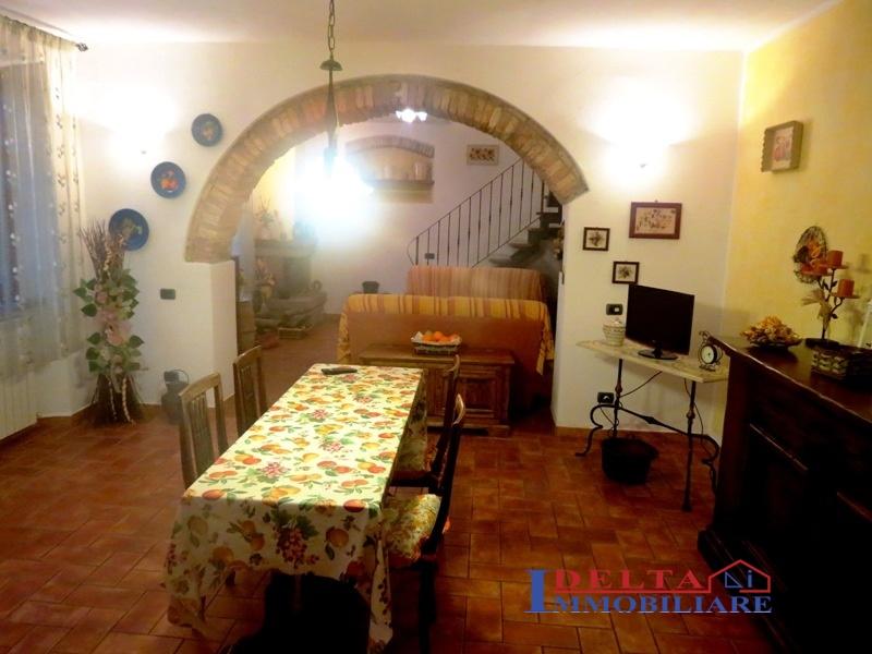 Rustico / Casale in vendita a Rosignano Marittimo, 7 locali, prezzo € 310.000 | Cambio Casa.it
