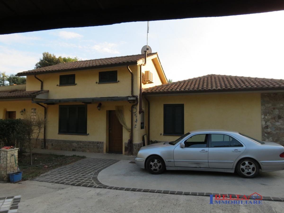 Villa in vendita a Rosignano Marittimo, 8 locali, prezzo € 450.000 | Cambio Casa.it