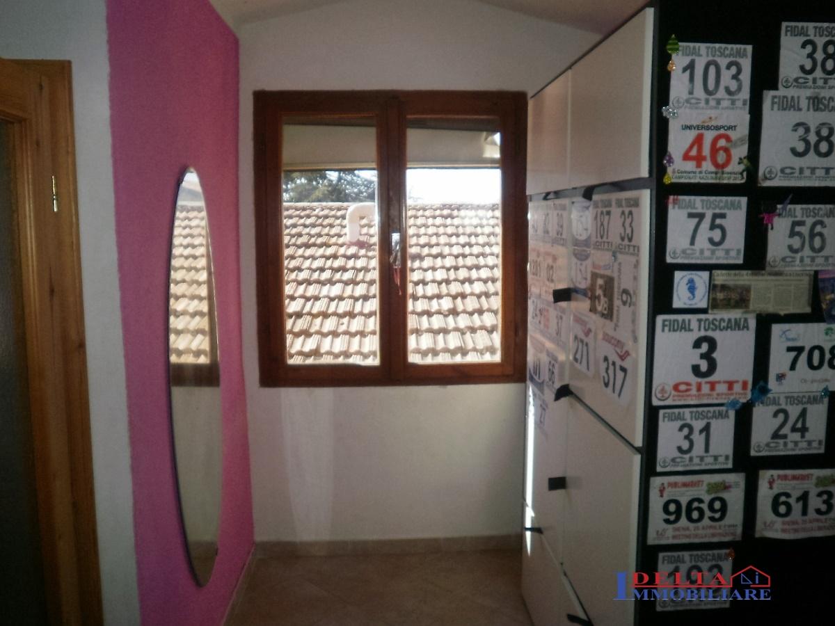 Casa semindipendente a Castellina Marittima (3/5)