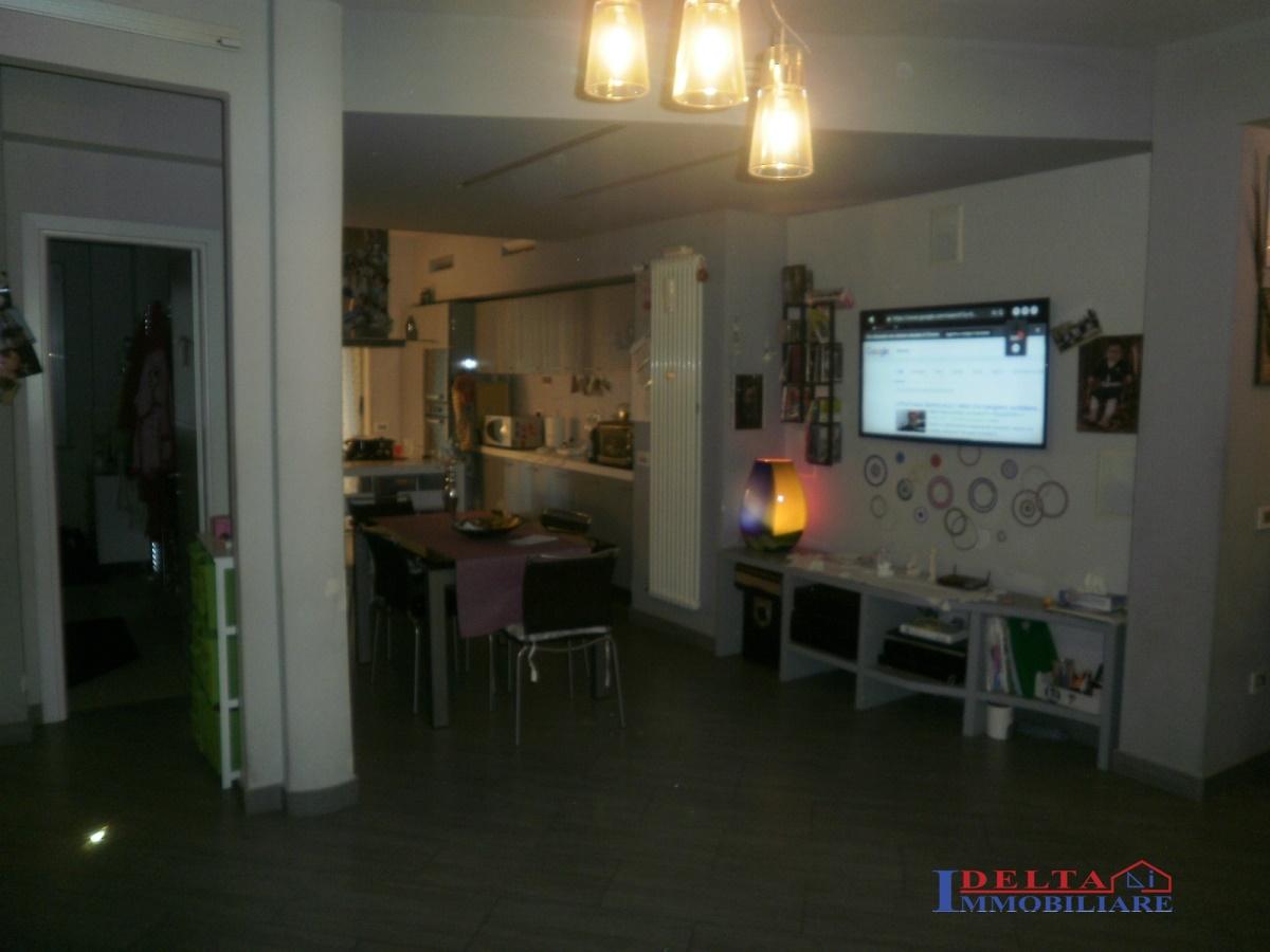Appartamento in vendita a Rosignano Marittimo, 4 locali, prezzo € 210.000 | Cambio Casa.it